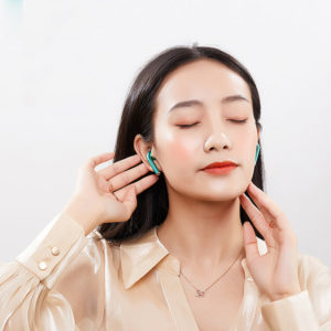 Magnetic Wireless Earphones